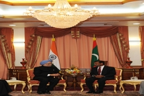 pm with mal.dives pres. at a restricted meeting in male on 12.11.2011