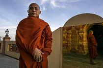 buddhist-monk-myanmar_Virathu