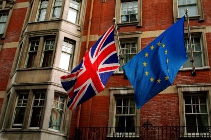 Union_Jack_and_the_european_flag