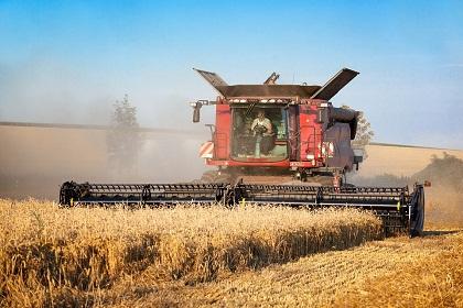 harvester-2526334_960_720