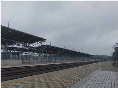 Photo 10: The Dorasan Unification Platform, with railway tracks extending into North Korea  (Photo by Purvaja Modak)