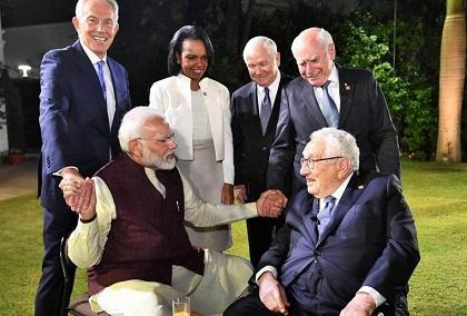 From Right to Left: Tony Blair, Condoleeza Rice, Robert Gates, John Howard. Sitting: Henry Kissinger